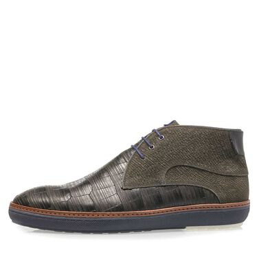 Suede mid-high lace shoe
