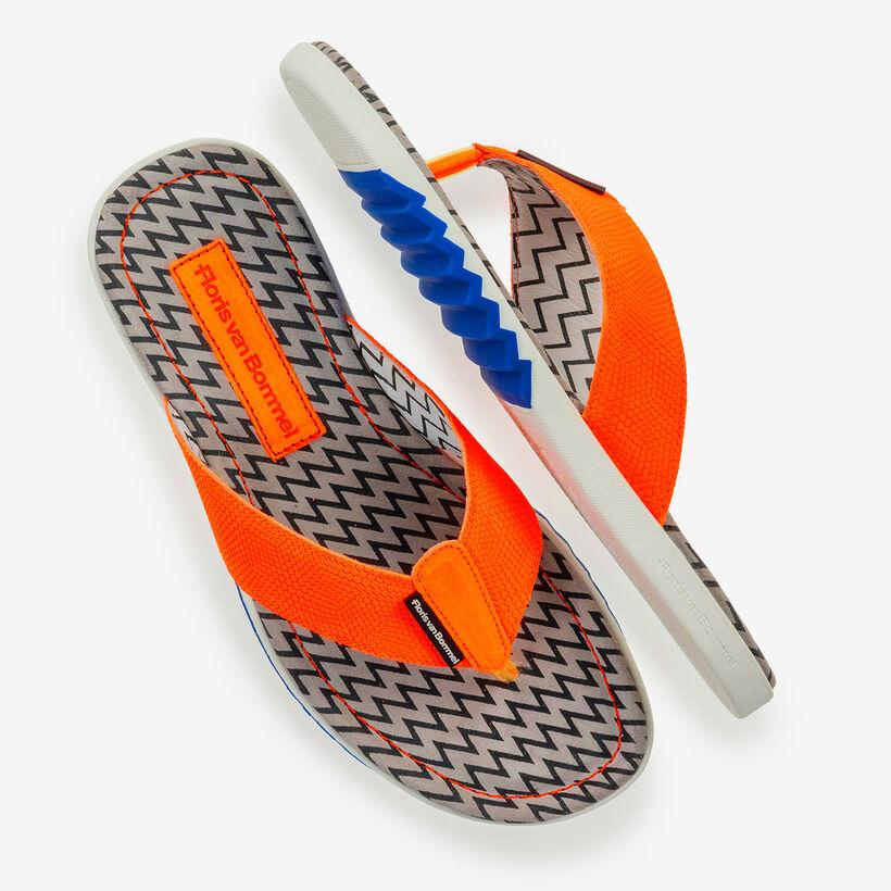 Orangefarbener Wildleder Zehentrenner-Slipper mit Print