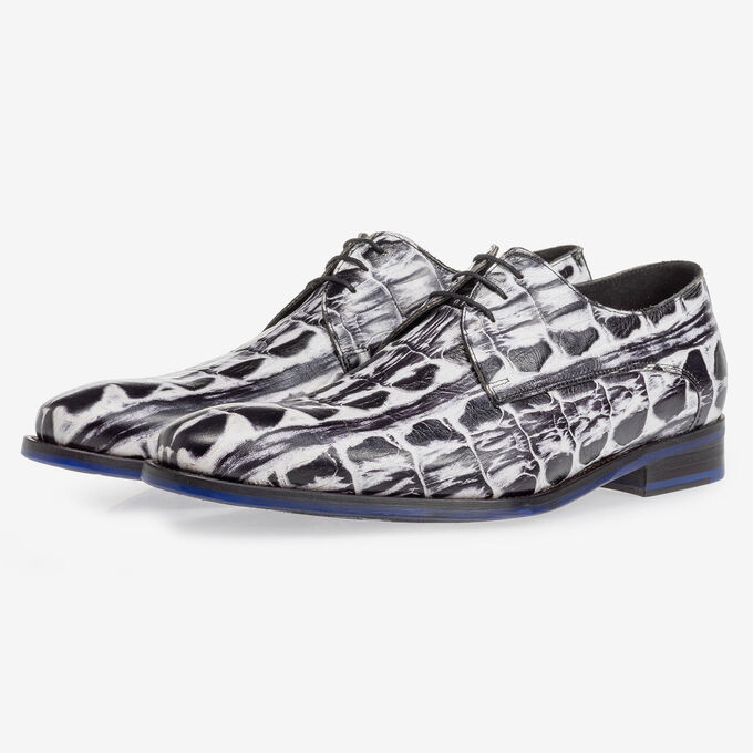 Lace shoe black and white croco print