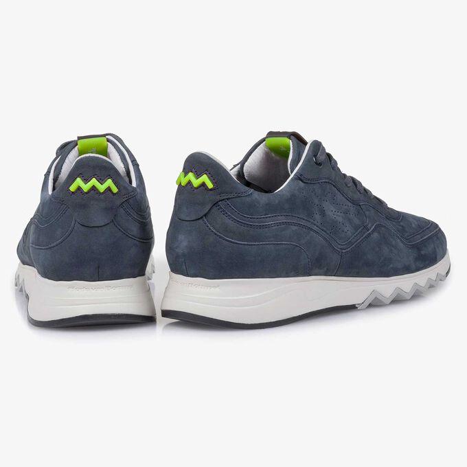Blauer Nubukleder-Sneaker