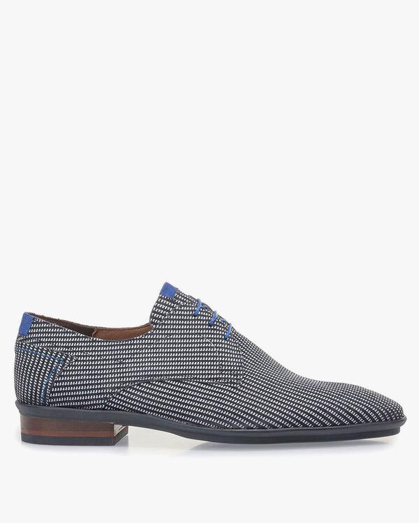 Blauer Wildleder-Schnürschuh mit weißem Print