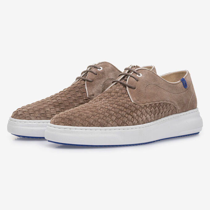Taupe-coloured lace shoe with braided suede leather