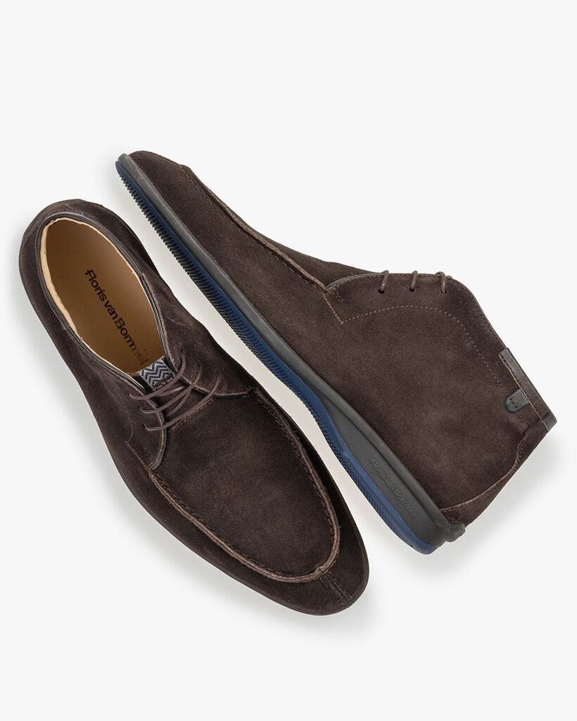 Boot brown suede leather