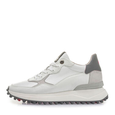 Women's leather sneaker