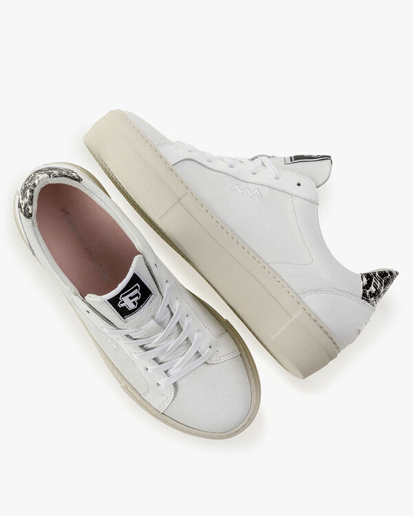 Sneaker leather white