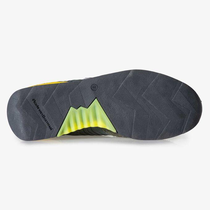 Grüngelber Wildleder-Sneaker