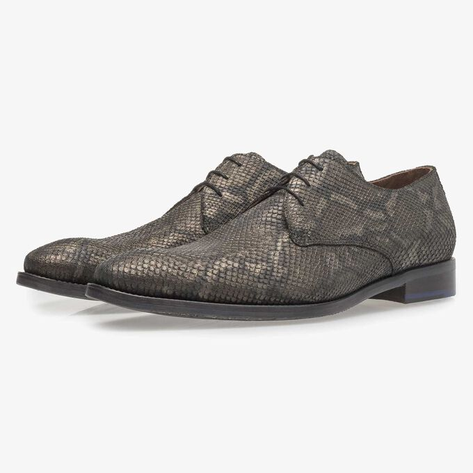 Lace shoe with olive green snake print