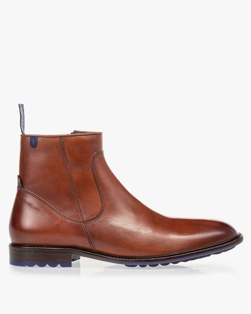 Lambskin lined boot cognac
