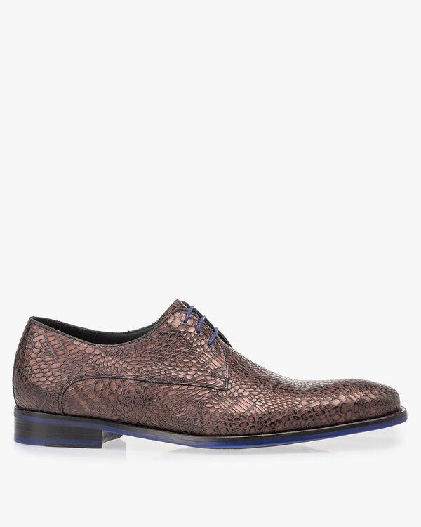 Lace shoe metallic red