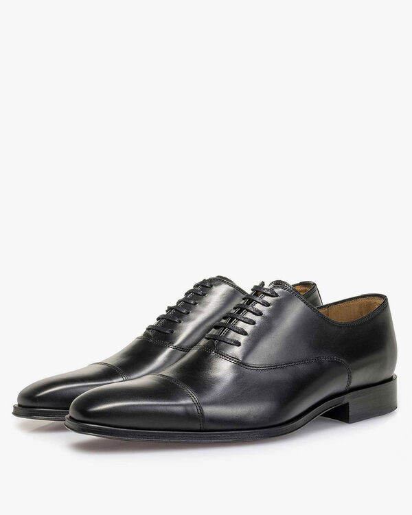 Lace shoe calf leather black