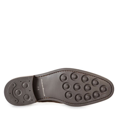 Brogue leather lace shoe