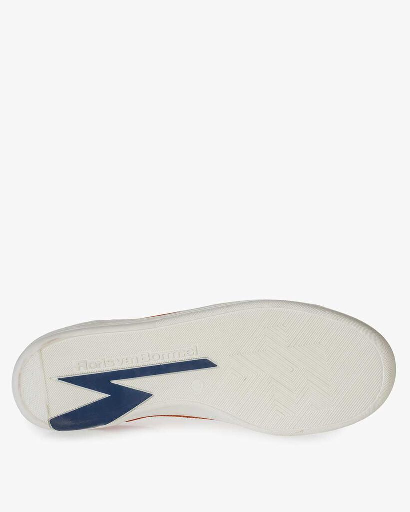 Orange-roter Wildleder-Sneaker