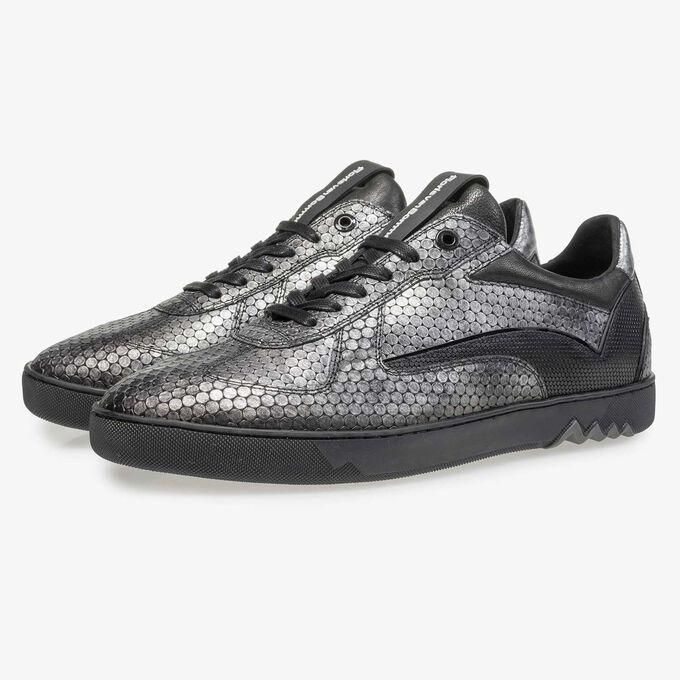 Grey leather sneaker with metallic print