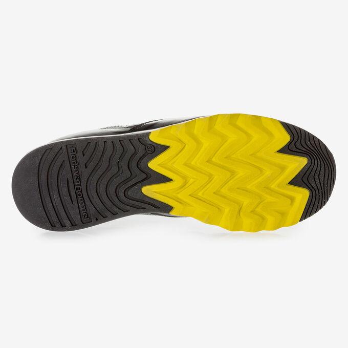 Schwarzer Kalbsleder-Sneaker mit gelben Details