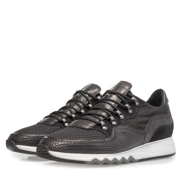 Leather sneaker with textile parts