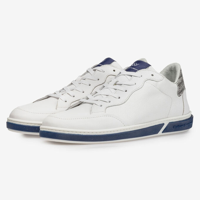 White calf leather lace shoe with fine structure