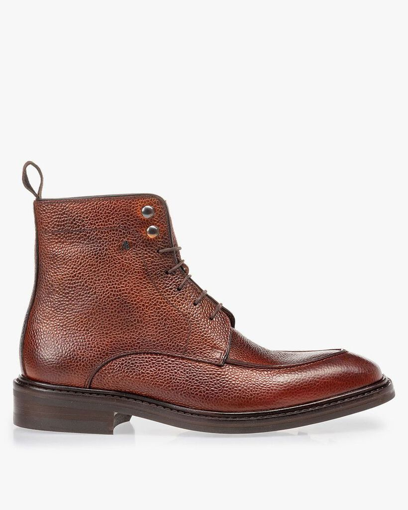 Boot cognac leather with print