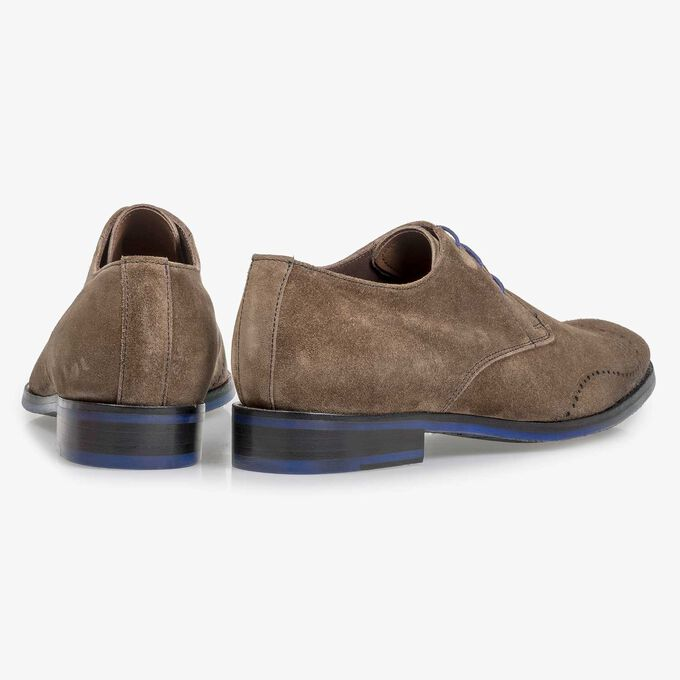Dark taupe-coloured suede leather lace shoe