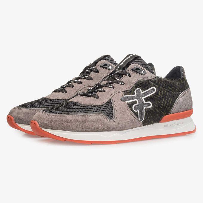Grauer Premium Wildleder-Sneaker