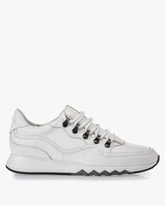 Sneaker mit Strukturmuster weiss
