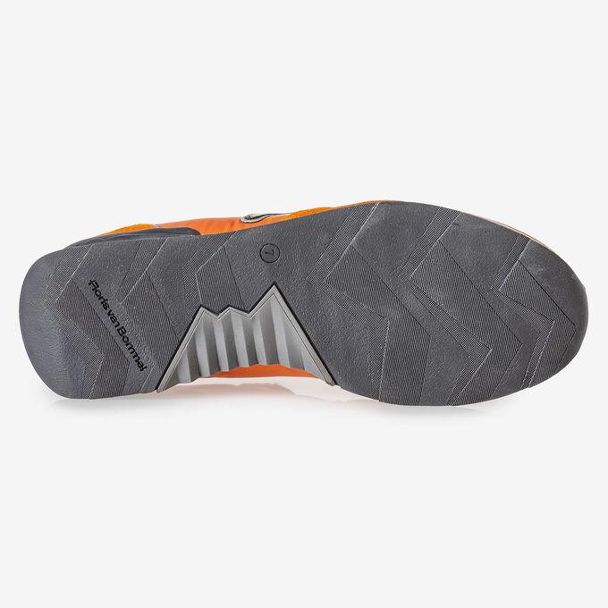 Sneaker orange suede leather