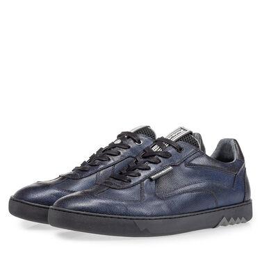 Sporty leather sneaker