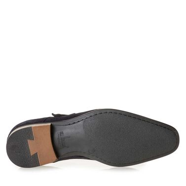 Leather buckled shoe