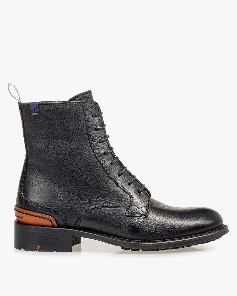 Lace boot leather black