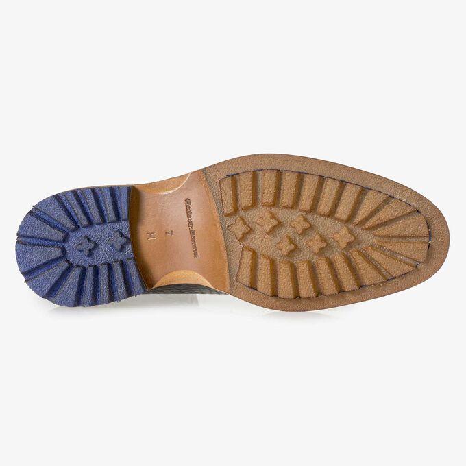 Dunkelbrauner Leder-Schnürstiefel mit Krokoprint