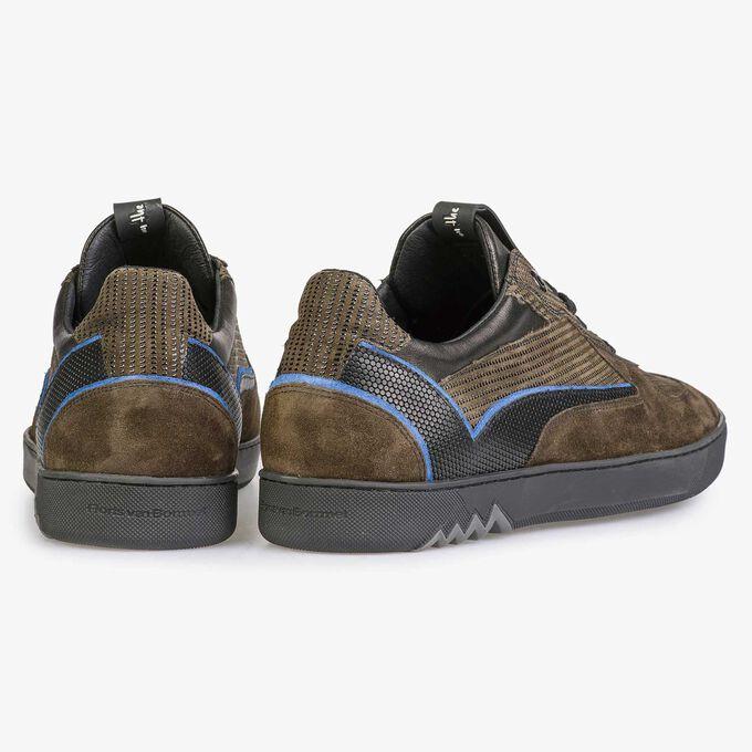 Sneaker aus olivgrünem Wildleder mit Muster