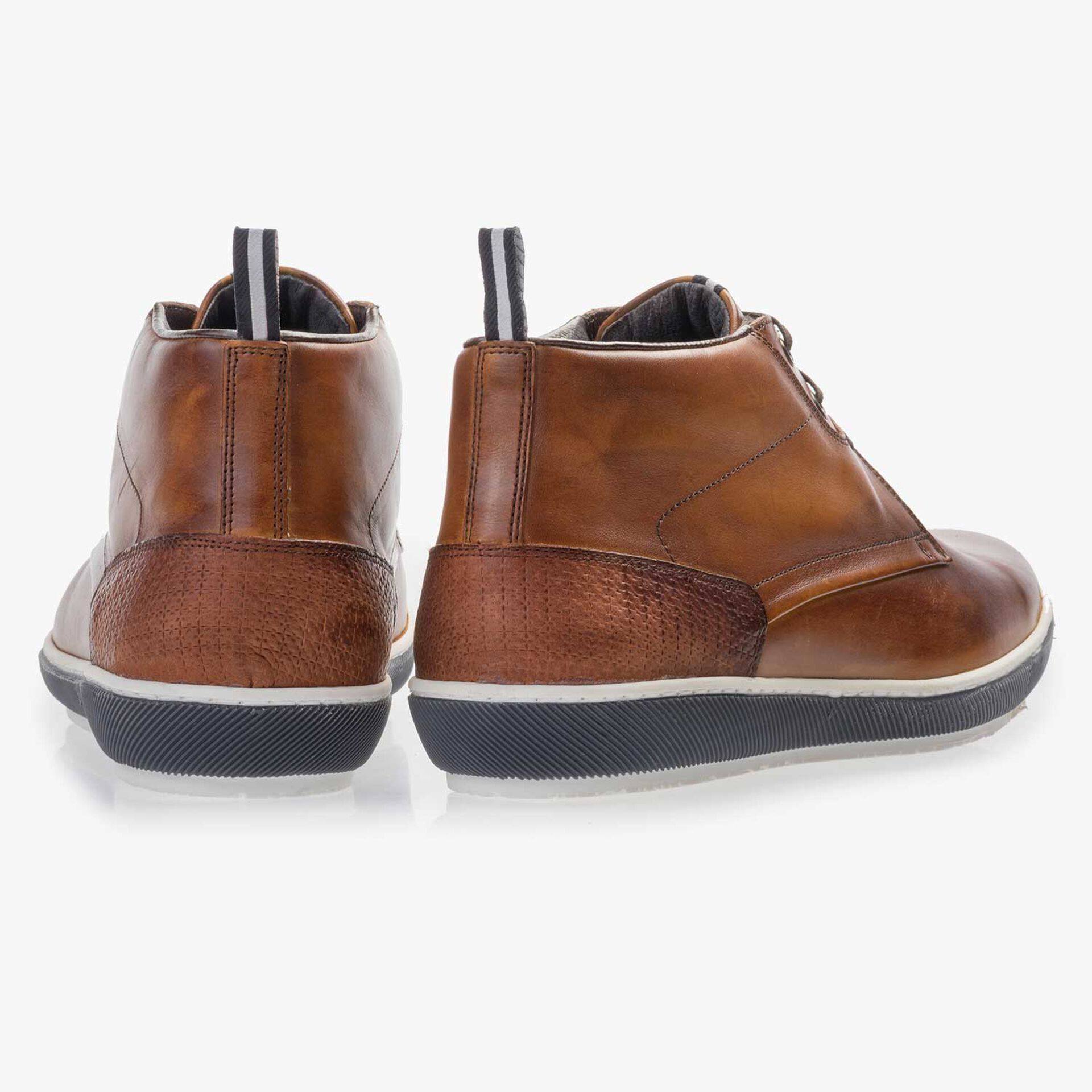 Cognac-coloured calf's leather lace boot