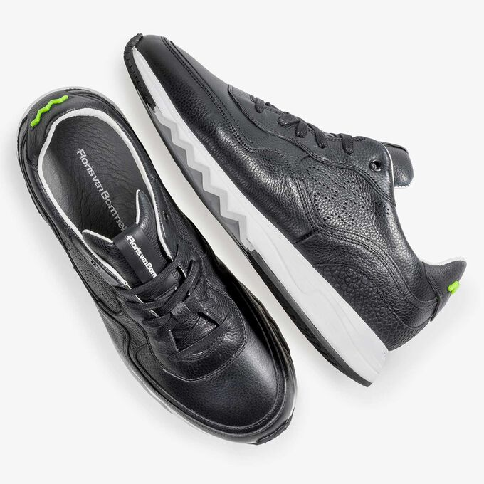 Black structured leather sneaker