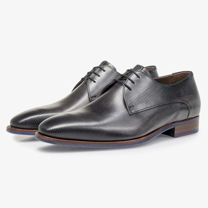 Grey calf leather lace shoe