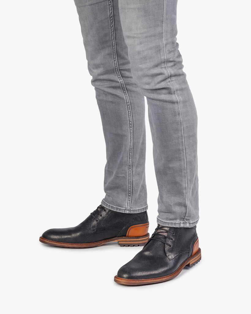 Crepi boot black with print