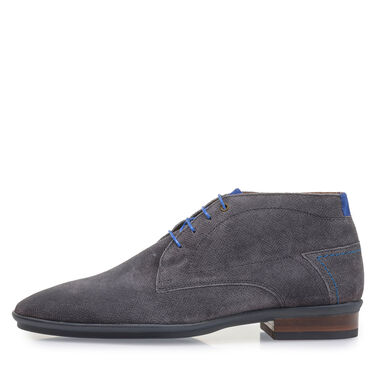 Elegant mid-high lace shoe