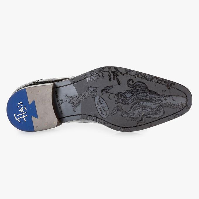 Blauer Lackleder-Schnürschuh mit Print