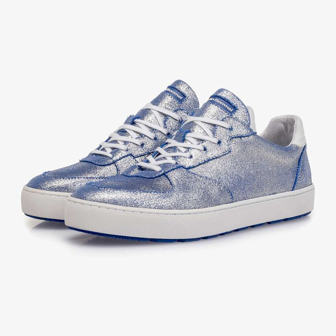 Silver metallic leather sneaker with changing effect