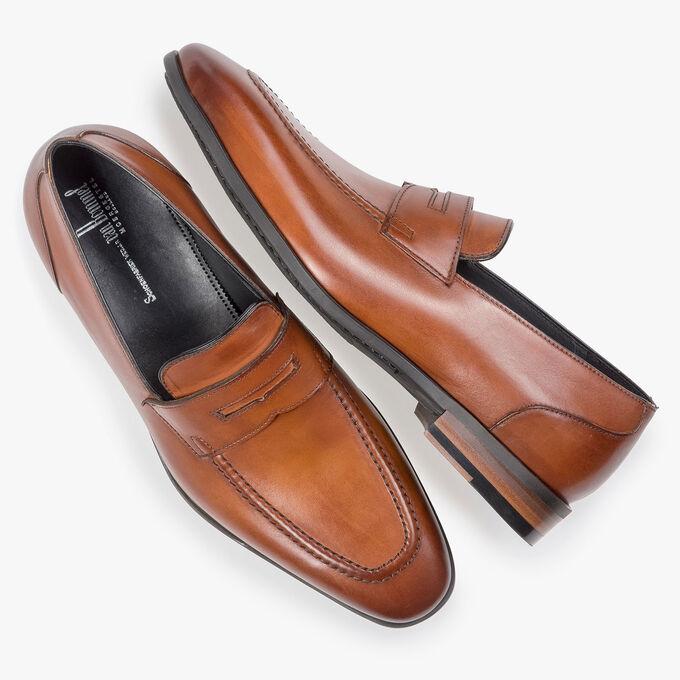 Dunkler cognacfarbener Kalbsleder-Loafer
