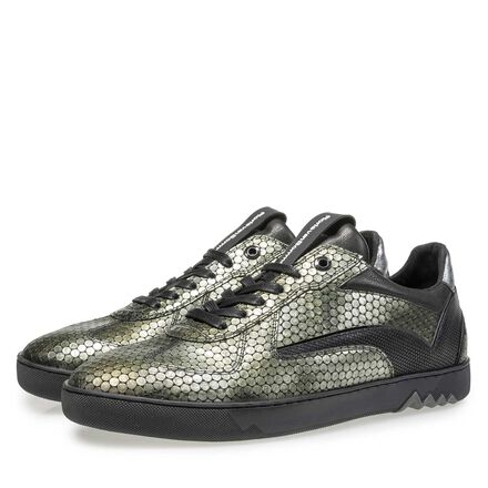 Leather sneaker with structural pattern