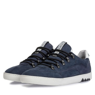 Leather sneaker with 'hiking lacing'