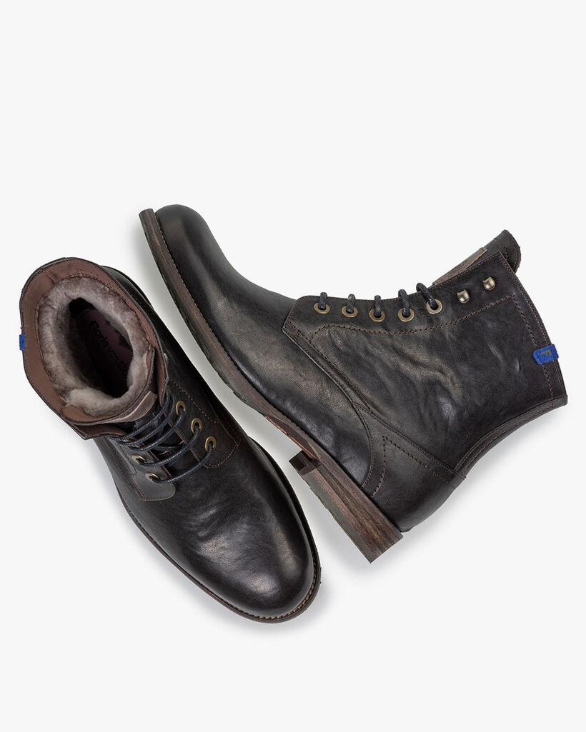 Lambskin lined lace boot black