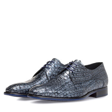 Lace shoe metallic
