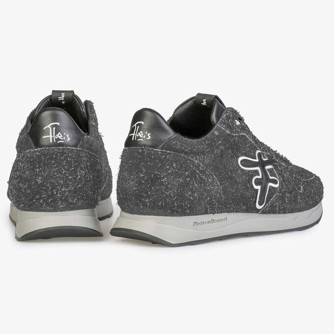 Dark grey rough-haired sneaker