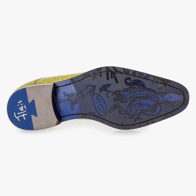 Gelber Leder-Schnürschuh mit schwarzem Print