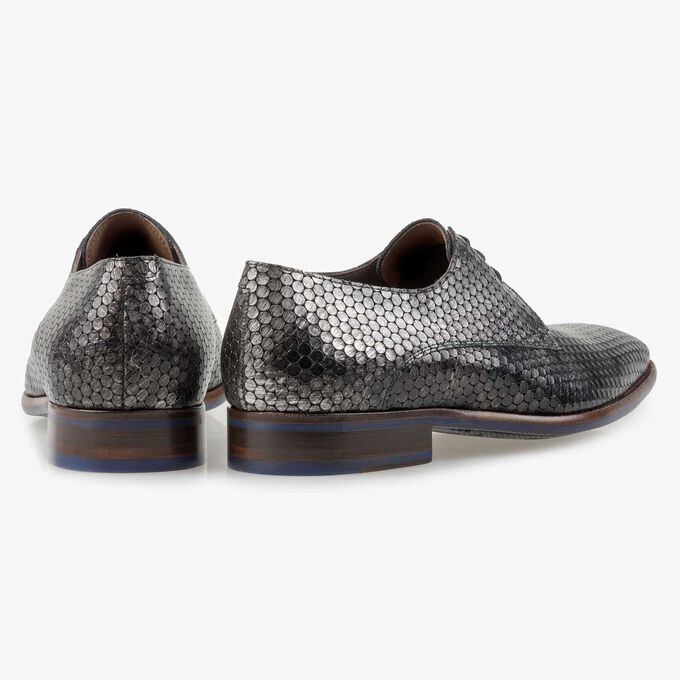 Grey calf leather lace shoe with metallic print