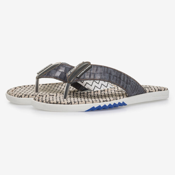 Dark blue thong slipper with croco print