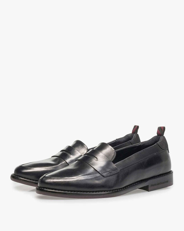 Black calf leather loafer
