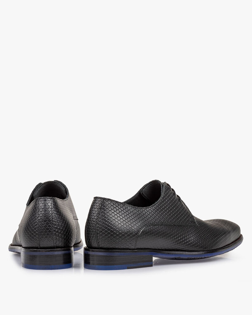 Lace shoe with print black