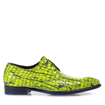 Lace shoe patent leather