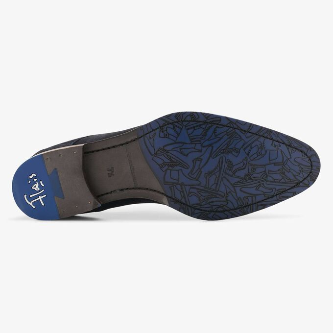 Blue suede lace shoe